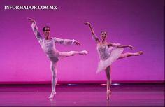 El Joven #Ballet de #Jalisco hizo muestra de su talento y belleza en el escenario del #TeatroDegollado en #Guadalajara  FOTO: Alfonso Hernández