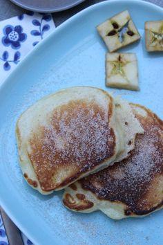 Apfelpfannkuchen Rezepte: Apfel-Pancakes mit Zimt und Zucker so wie bei Oma, Schnell gemacht und ein leckeres Mittagessen für Kinder. #apfel #pfannkuchen