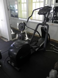ELLIPTICAL PRECOR EFX546 Treadmill, Stationary, Gym Equipment, Bike, Fitness, Bicycle, Running Belt, Workout Equipment, Keep Fit