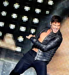See Ricky Martin pictures, photo shoots, and listen online to the latest music. Gorgeous Men, Beautiful People, Puerto Rican Singers, Rick Y, Famous Singers, Latest Music, Music Is Life, Leather Men, Cute Pictures