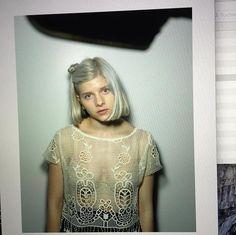 ~αи∂ ι мιѕѕ уσυ мσяє тнαи αиутнιng ιи тнιѕ ωσяℓ∂~ Aurora Aksnes, Aurora Hair, Maynard James Keenan, Modern Artists, Female Singers, S Pic, Face And Body, My Girl, Celebs