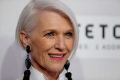 Maye Musk, Elon Musk's mother, is so classically chic at 68 we don't know what… Grey Bob Hairstyles, Hairstyles Over 50, Older Women Hairstyles, Cool Hairstyles, Woman Hairstyles, Short Hair Older Women, Short Grey Hair, Gray Hair, Elon Musk Mother