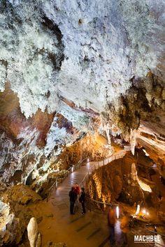 Sala principal de la cueva El Soplao - Cantabria
