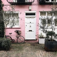 A Guide to the Most Instagram-Worthy Places in London