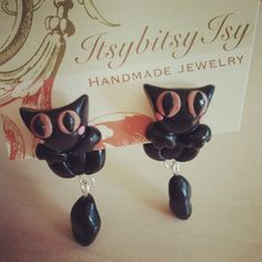 dangling cat earrings on ItsybitsyIsy