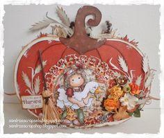 Pumpkin box template available at http://sandrasscrapshop.blogspot.nl/2014/10/94-pompoen-patroon-pumpkin-template.html