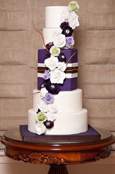 http://www.modwedding.com/2014/10/27/wedding-cakes-almost-pretty-even-cut/ #wedding #weddings #wedding_cake Featured Wedding Cake: Miso Bakes