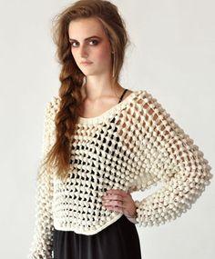 Hand knit Sweater     ♪ ♪ ... #inspiration_crochet #diy GB http://www.pinterest.com/gigibrazil/boards/