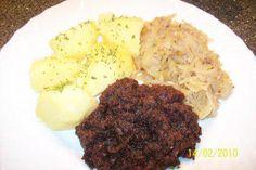 Das perfekte Blutwurst mit Sauerkraut u.Salzkartoffeln-Rezept mit einfacher Schritt-für-Schritt-Anleitung: Die zwiebeln u. den speck in eine pfanne geben…