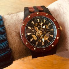 😍 Mechanical movement is the way to go green, no battery needed. Powered by your body movement. Wooden Watches For Men, Vintage Watches, Body Movement, Mechanical Watch, Custom Engraving, Wood Watch, Green, Gifts, Etsy