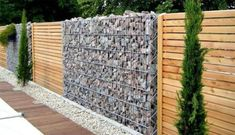 Great garden fencing ideas awesome unique fence ideas wood fence ideas for backyard best of best Backyard Garden Design, Backyard Fences, Garden Fencing, Backyard Landscaping, Landscaping Ideas, Wood Fence Design, Modern Fence Design, Yard Design, Modern Outdoor Living