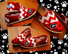 Gotta love these handpainted UGA Toms by Emily Bowers! Go Dawgs!