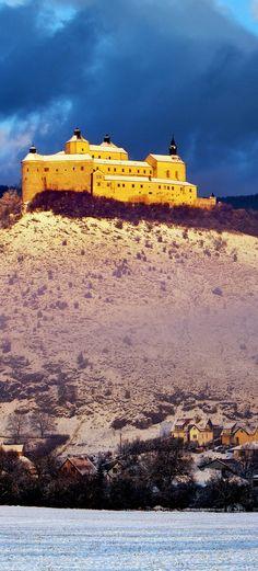 Krasna Horka Castle - beauty winter landscape, Slovakia    |   The 20 Most Stunning Fairytale Castles in Winter