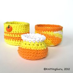 #Crochet #Pattern - The 3 basket shapes in this pattern can be varied endlessly as in these #Halloween baskets.