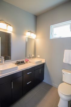 Great use of space in this bathroom! #DreamBuilders