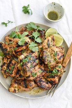 Cilantro lime grilled chicken recipe for your summer grilling (Clean Grilling Recipes) Healthy Low Carb Recipes, Fodmap Recipes, Clean Recipes, New Recipes, Dinner Recipes, Favorite Recipes, Indian Recipes, Chicken Marinade Recipes, Grilling Recipes