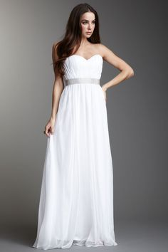 Found this on Hautelook. If I was in the market for a wedding dress, I'd totally consider this. It's only $99 on sale right now! Craycray!!!