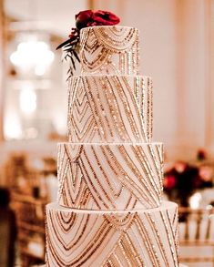 Tarta de boda con lentejuelas How gorgeous is this! And yes, the sequins are edible😍 ✨ Cake by Beautiful Wedding Cakes, Beautiful Cakes, Perfect Wedding, Our Wedding, Dream Wedding, Wedding Blog, Rustic Wedding, Sequin Cake, Sequin Wedding