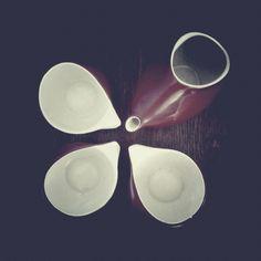 """Milk jug and cups from coffee set """"Ina"""" from Ćmielów, Poland - one of the finest Polish designs, found in my friend's kitchen shelf. It belonged to her Grandma. / Photo by @Tomasz Adamusiak Jurecki #wysokipolysk #fleastyle #polishdesign #cmielow"""