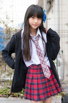 School Girl Japan, School Girl Outfit, Japan Girl, Young Japanese Girls, Beautiful Japanese Girl, Beautiful Asian Girls, Cute Girl Dresses, Cute Girl Outfits, Preteen Girls Fashion