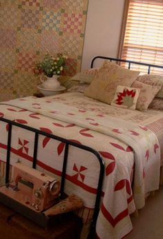 Like all the elements in this room, but the red and white quilt is def a winner. Old Quilts, Vintage Quilts, Antique Quilts, Cozy Bedroom, Bedroom Decor, Bedroom Ideas, Master Bedroom, Wabi Sabi, Primitive Bedroom