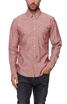 Volcom creates a comfortable men's button up shirt found at PacSun. The Flats Long Sleeve Woven Shirt for men comes with a solid chambray body and a Volcom logo on the chest pocket.	Solid chambray button up shirt	Volcom logo on chest pocket	Medium spread collar	Button front	Long sleeves	Straight yoke	Regular fit	Machine washable	100% cotton	Imported