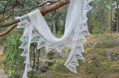 Pyttipanna heter sjalen ett mönster från Ullomera, in english, och svenska, fin sjal...