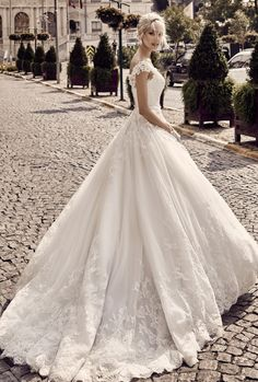 dress gallery; Featured: Nicole Spose
