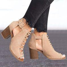 Peep Toe Pumps, Pumps Heels, Stiletto Heels, Strap Sandals, Gladiator Sandals, Heeled Sandals, Frauen In High Heels, Summer Heels, Ankle Shoes