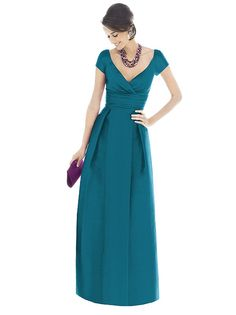 Alfred Sung Bridesmaid Dress D501 http://www.dessy.com/dresses/bridesmaid/D501/#.VONfk0uCYYU