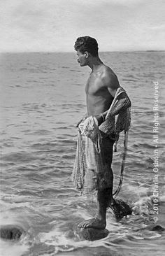 d79adab4874 Pinner sez  Hawaiian man with throw net These are the