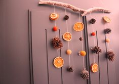 Fall in love with fall : DIY Fall Diy, Wind Chimes, Falling In Love, Belly Button Rings, Berries, Decoration, Outdoor Decor, Pink, Crafts