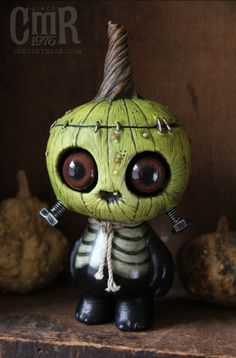 This one-off green Gourdwort will be available at Designer Con this weekend at booth #400.