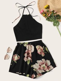 Black Rib-knit Halter Top and Floral Print Shorts Set - Summer Outfits Cute Lazy Outfits, Crop Top Outfits, Teenage Girl Outfits, Pretty Outfits, Stylish Outfits, Outfits For Teens, Matching Outfits, School Outfits, Classy Outfits