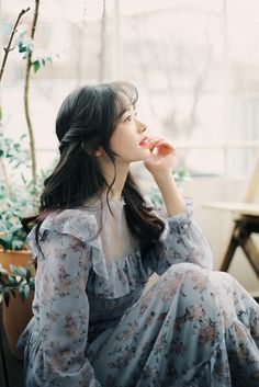 Amelie dress line. Korean Girl Fashion, Ulzzang Fashion, Beautiful Girl Image, Beautiful Asian Girls, Cute Girls, Cool Girl, Ulzzang Korean Girl, Uzzlang Girl, Girl Photography Poses
