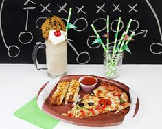 Southern Mom Loves: Easy Game Day Dinner + Coca-Cola Float Recipe & Straw Flags Free Printable!