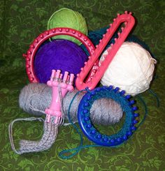 Loom knitting tutorials.