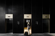 Four Points by Sheraton Docklands by DKO - Australian Interior Design Awards Australian Interior Design, Interior Design Awards, Lobby Interior, Commercial Interior Design, Commercial Interiors, Luxury Interior, Elevator Design, Elevator Lobby, Lift Design