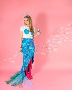 Mermaid Outfit Idea sequin photobooth diy in 2019 mermaid halloween costumes Mermaid Outfit. Here is Mermaid Outfit Idea for you. Mermaid Outfit kids m. Adult Mermaid Costume, Mermaid Tail Costume, Fish Costume, Mermaid Halloween Costumes, Halloween Kostüm, Diy Costumes, Costumes For Women, Couple Costumes, Group Costumes