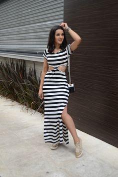 stripes- vestido de listras- vestido retorcido- vestido com nó- vestido longo, listras- cor sim cor não- vestido perfeito para o dia a dia, com detalhes que enriquem o look, eu amo listras