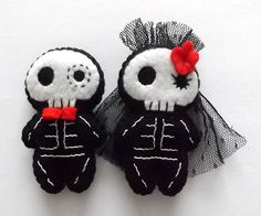 Day of the Dead Wedding Cake Toppers Sugar by TheDollCityRocker, $25.00 I love this girl's felties!!!