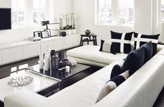 Kelly Hoppen, a british design superstar, is one of the best interior designers in the world! Characteristically, Kelly Hoppen living room ideas, work in a . My Living Room, Home And Living, Living Room Decor, Living Spaces, Living Area, Interior Exterior, Best Interior, Living Room Inspiration, Home Decor Inspiration