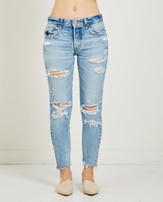 Shop the best collection of contemporary designer fashion, denim and footwear at American Rag Cie. Ripped Denim, Denim Jeans, Skinny Jeans, Washed Denim, New Fashion, Womens Fashion, Tapered Jeans, Trends, Girls Jeans