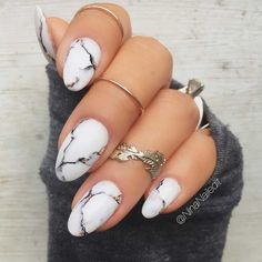 Marble acrylic nails are very popular this year, and manicure styles similar to marble texture are also popular this year. This rare and temperamental marble nail really makes people feel beautiful and fashionable. Marble nails have a good texture. Nail Art Designs, Marble Nail Designs, Winter Nail Designs, Acrylic Nail Designs, Nails Design, Round Nail Designs, Floral Designs, Marble Acrylic Nails, Water Marble Nails