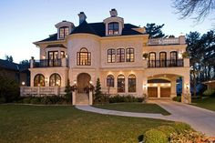 Dream home! Traditional Exterior Design, Pictures, Remodel, Decor and Ideas - page 11 Dream Home Design, My Dream Home, Dream Homes, Dream Big, Dream Mansion, Custom Home Builders, Custom Homes, Exterior Tradicional, Huge Houses