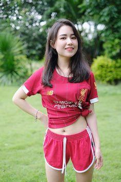 Sexy Asian Girls, Hot Girls, Football Outfits, Liverpool Fc, Bikini Girls, Gym Shorts Womens, Soccer, Bikinis, Fitness