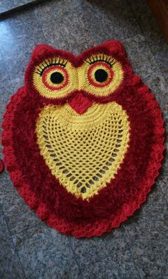 Crochet rug with lovely owls with easy video - Crochet Pattern Yarns Owl Rug, Crochet Towel Holders, Crochet Projects, Sewing Projects, Animal Rug, Knit Rug, Nursery Rugs, Knitting Accessories, Crochet Flowers