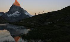 Hiking near the Matterhorn Ultra Trail Running, Running Guide, Best Running Shorts, Running Inspiration, Run Happy, Just Run, The Great Outdoors, Climbing, Fitness