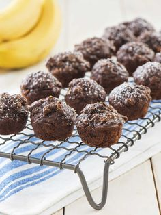Full of ingredients like bananas and oats, Cocoa Banana Mini Muffins give you the taste of chocolate you crave in just a mouthful. Mini Banana Muffins, Oat Muffins, Quaker Granola, Fat Free Milk, Baking Cups, Muffin Cups, Biscuits, No Bake Treats, Cacao