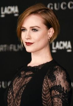 Here we have a tendency to ar with ten Celebrity Short Hairstyles to create you are trying. Wherever you'll sure realize one that you desired earlier. Have a look! Fringe Hairstyles, Curly Bob Hairstyles, Trending Hairstyles, Curly Hair Styles, Medium Hairstyles, Evan Rachel Wood, Celebrity Short Hair, Celebrity Hairstyles, Short Sassy Haircuts